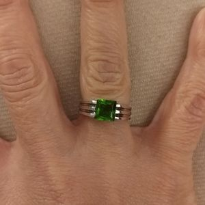 Sterling silver simulated emerald ring size 7